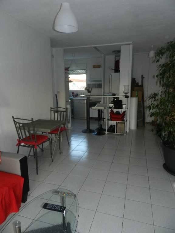 A vendre appartement t3 avec terrasse castelginest for Appartement marseille avec terrasse